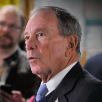 Trump Humiliates Bloomberg For His Bogus Apology